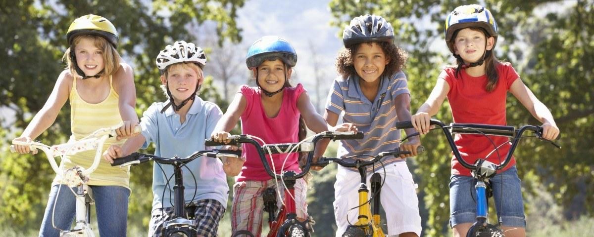 criança bicicleta
