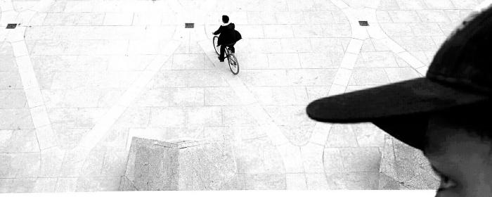 Bicicleta vigiada por bandido